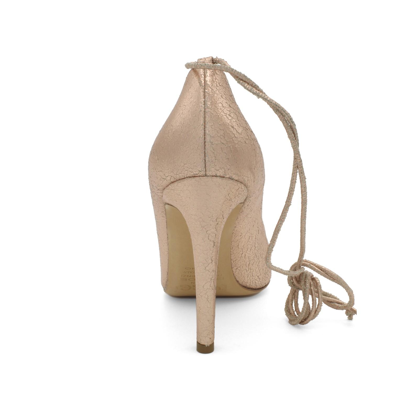 Белые кожаные женские кроссовки без шнуровки цена d26bfddb818
